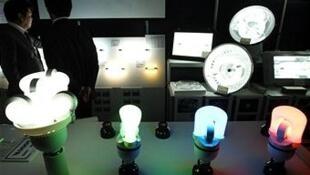 Plusieurs modèles de lampes diode (LED).