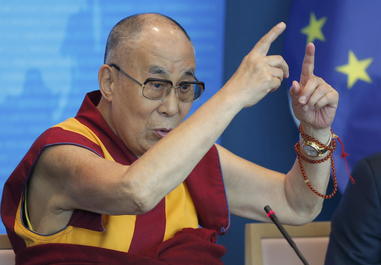 Dalai Lama fala da Europa como esperança para o Tibete, ocupado pela China.
