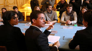 French PM Valls and Labour Minister El Khomri attend a meeting with UNEF on the lalour law proposal.