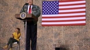 美國總統特朗普訪問駐伊拉克美軍發表演講資料圖片