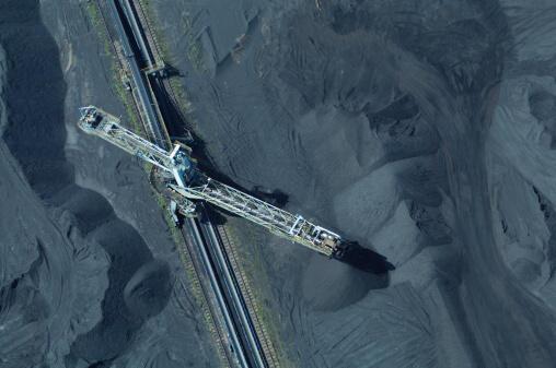Vue aérienne du stockage de charbon, à la station Emile Huchet à Carling, en Lorraine.