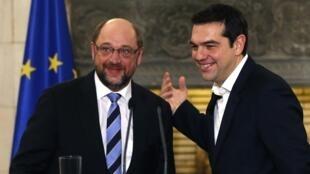 Chủ tịch Nghị viện Châu Âu Martin Schulz người Đức (trái) và Thủ tướng Hy Lạp Alexis Tsipras, Athènes, 29/01/2015.