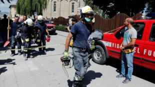 Đội ngũ cứu hộ tại thành phố bị động đất Amatrice, ngày 26/08/2016.