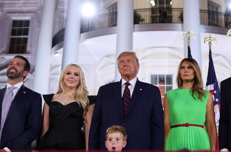Le président Donald Trump et sa famille à la Maison Blanche à la fin de la convention des républicains, le 27 août 2020.
