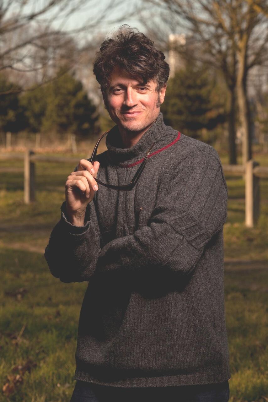 Nicolas Martin, criador da Interartprod, é neto de um diplomata brasileiro.