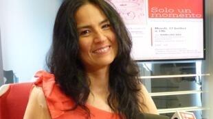 Andrea Quejuán en los estudios de RFI