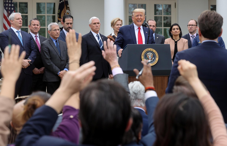 Tổng thống Mỹ Donald Trump thông báo ban hành tình trạng khẩn cấp chống coronavirus. Ảnh cuộc họp báo tại Nhà Trắng, ngày 13/03/2020.