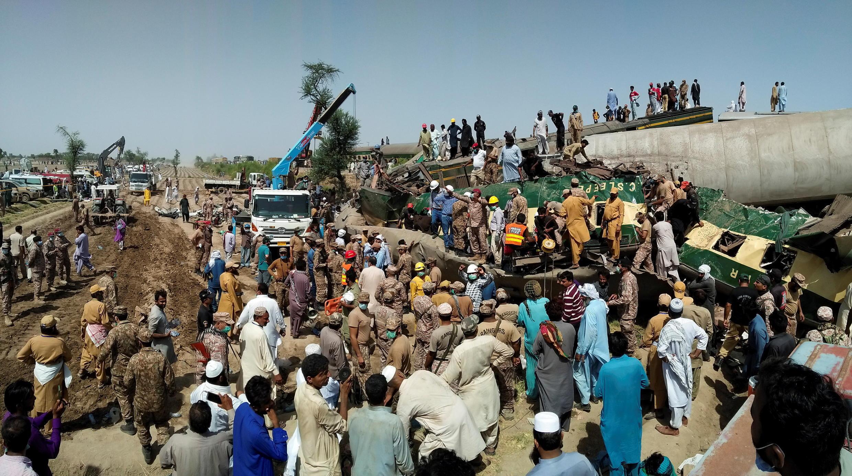 pakistan train accident ferroviaire