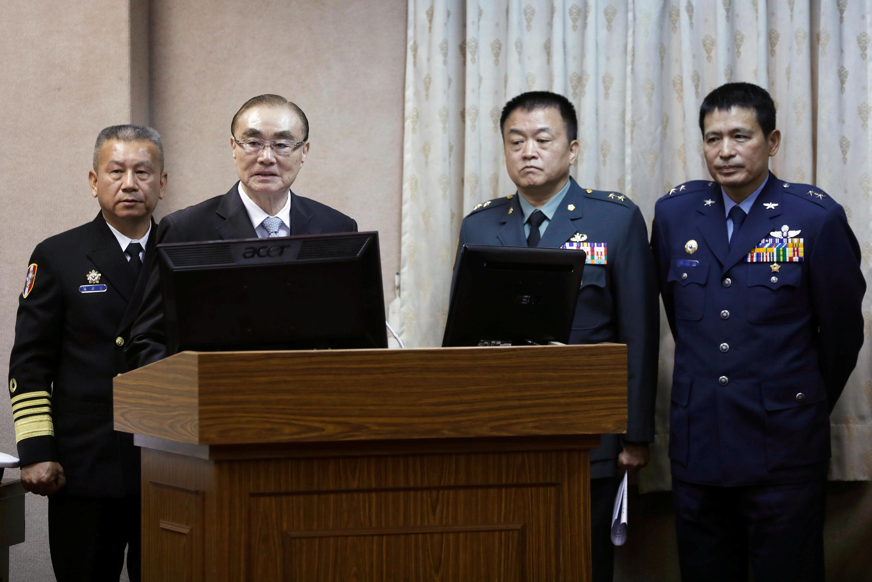 Bộ trưởng Quốc Phòng Đài Loan Phùng Thế Khoan (Feng Shih-kuan) phát biểu trước Nghị Viện ngày 16/03/2017.