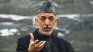 Президент Афганистана Хамид Карзай на пресс-конференции в Кабуле 04/05/2013