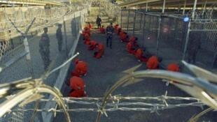 Détenus de la prison militaire américaine de Guantanamo, ouverte sur l'île de Cuba en janvier 2002.