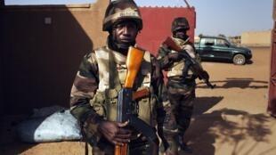 Un soldat nigérian membre de la Misma, en février 2013 dans la région de Gao, au Mali.