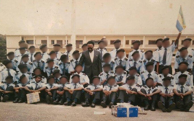 Ondo Obiang (bottom left) with his class at Prytanée during a visit by former President Omar Bongo.