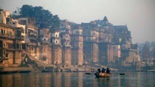 Священный для индуистов город Варанаси, Индия