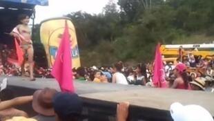 O Concurso infantil Miss Tanguita gera polêmica  na Colombia.
