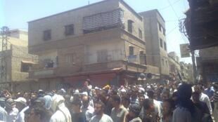 «Bachar, sors de nos vies» ou «Bachar dégage» scandaient les manifestants, vendredi 1er juillet 2011.