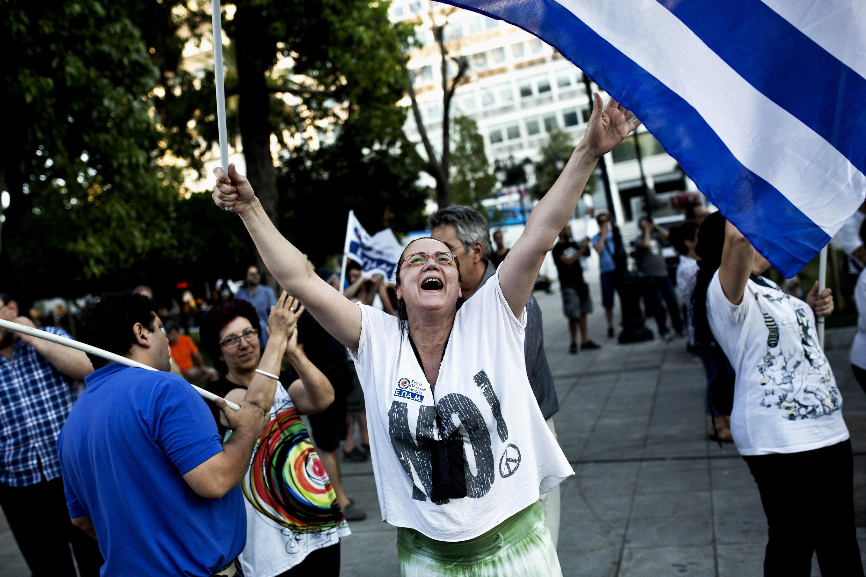 61,3% греческих избирателей проголосовал против предложений международных кредиторов
