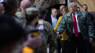 美国总统特朗普访问驻伊拉克美军发表演讲资料图片