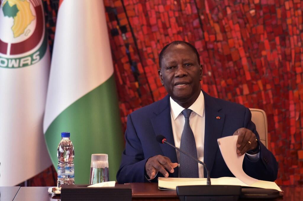 Le chef de l'État d'Alassane Ouattara lors d'un conseil de sécurité national consacré au coronavirus, le 16 mars 2020.