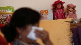 Gia đình các nạn nhân chuyến bay mất tích MH370 chưa nguôi được nỗi đau mất người thân.