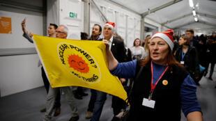 Des activistes environnementaux manifestent, le 10 décembre 2018, lors de la COP24 à Katowice.