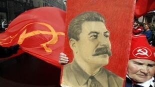 Les clients des papeteries moscovites peuvent désormais acheter des cahiers à l'effigie de Joseph Staline.