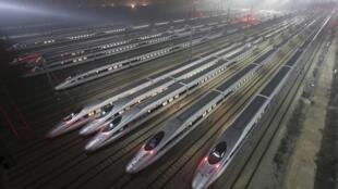 Centro de mantenimiento de trenes de alta velocidad de Wuhan, en la provincia de Hubei, el 25 de diciembre de 2012.