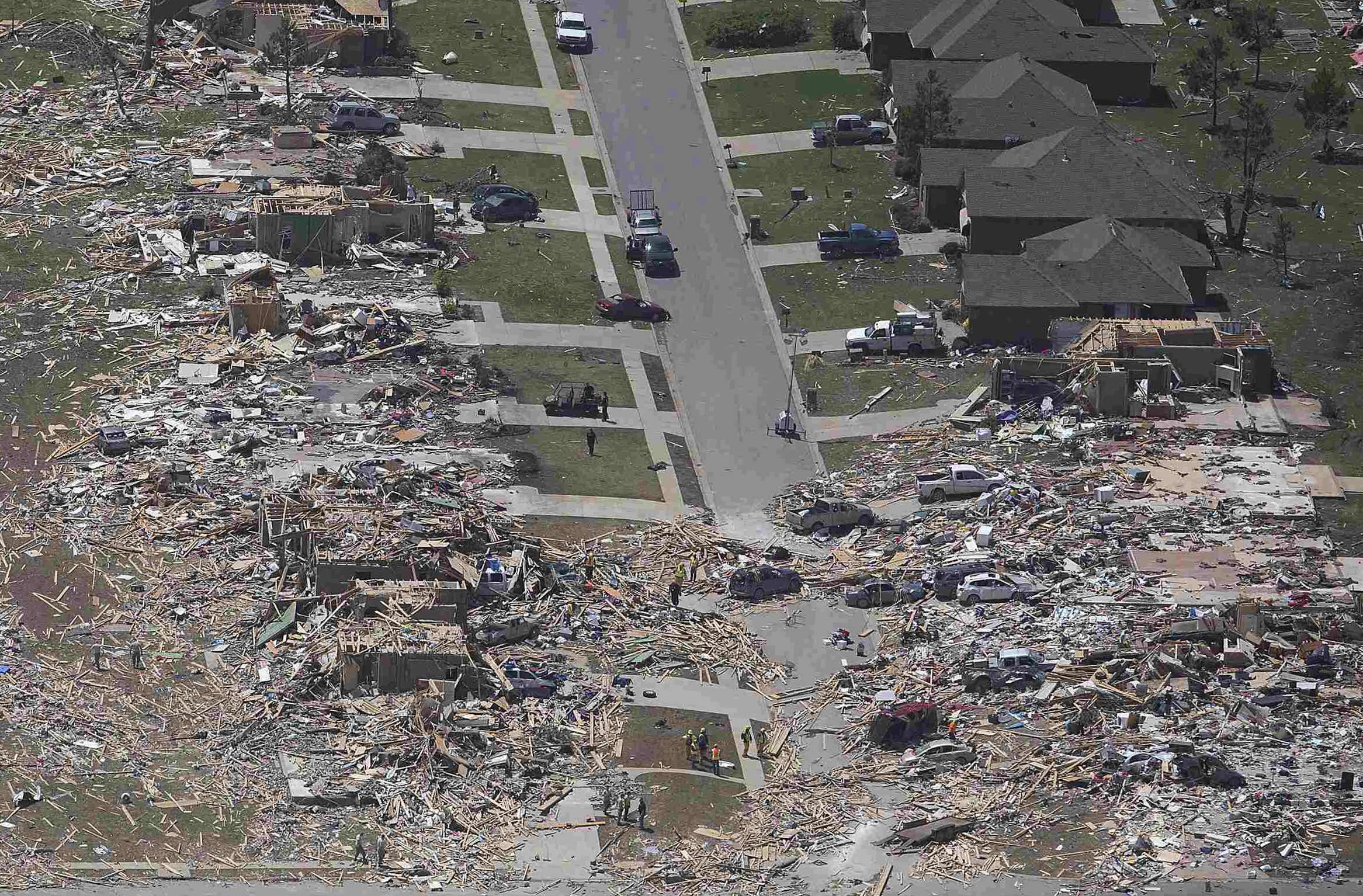 A cidade de Vilonia, em Arkansas, teve bairros inteiros devastados pelo tornado.