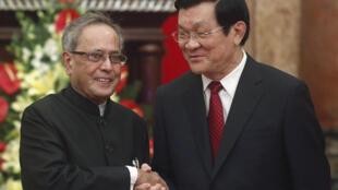 Tổng thống Ấn Độ Pranab Mukherjee (trái) và Chủ tịch nước Trương Tấn Sang tại Hà Nội. Ảnh ngày 15/09/2014.