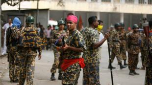 Bangladesh Rifles mutineers in Dacca, 26 February 2009.