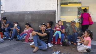 À Ciudad Juarez, au Mexique, les migrants doivent attendre souvent plusieurs mois avant d'avoir une réponse pour leur demande d'asile américaine.