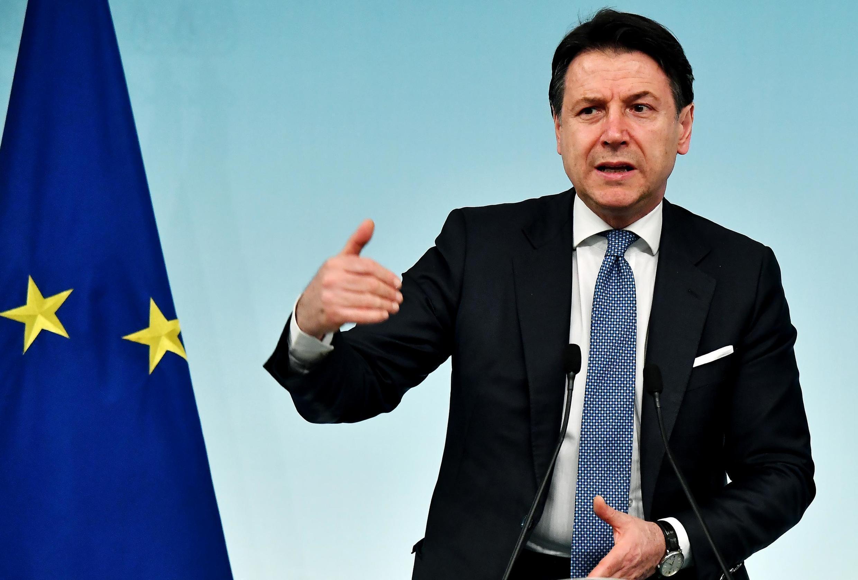O premiê Giuseppe Conte anunciou que medidas de confinemento serão prolongadas na Itália.