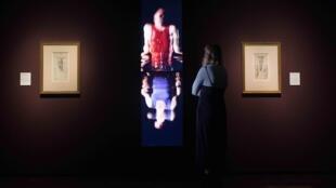 «La vie et la mort, de Bill Viola à Michel-Ange», une exposition à voir à la Royal Academy of Arts, jusqu'au 31 mars, à Londres.