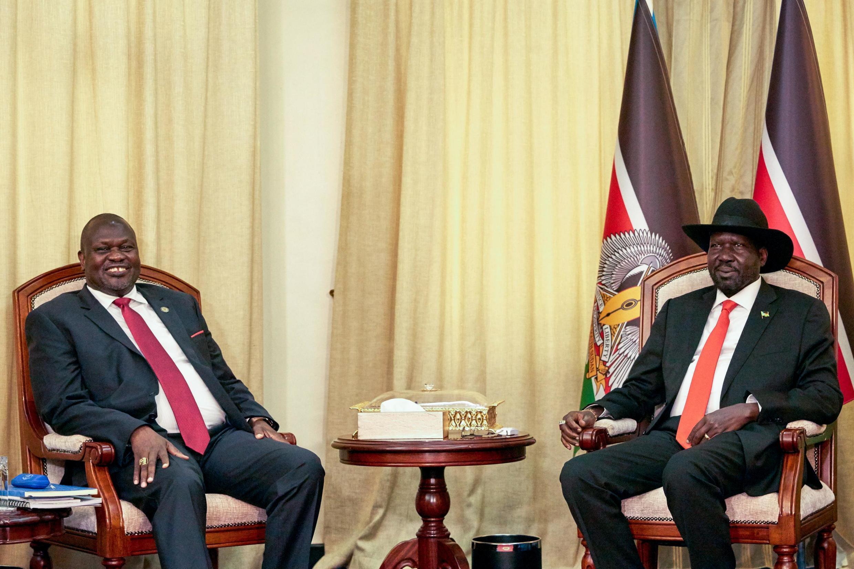 Le chef rebelle Riek Machar est arrivé au Soudan du Sud où il a rencontré pour la seconde fois depuis septembre le président Salva Kiir dans le but d'organiser son retour définitif le 12 novembre.