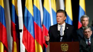 Shugaban Colombia Juan Manuel Santos yayin jawabi bayan rattaba hannu kan sabuwar yarjejeniyar zaman lafiya da 'yan tawayen FARC