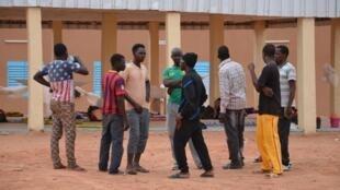 Des migrants dans un camp de transit à Agadez, au Niger (Image d'illustration).