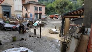 Uma casa em Breil-sur-Roya, nos Alpes Maritimes, no sudoeste da França. A cidade foi destruída pela tempestade Alex, em outubro de 2020.