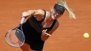 Sharapova humilhou sua adversária durante sua estréia em Roland Garros, nesta terça-feira.