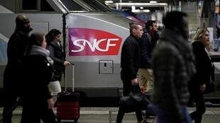 12月27日的巴黎蒙帕納斯火車站