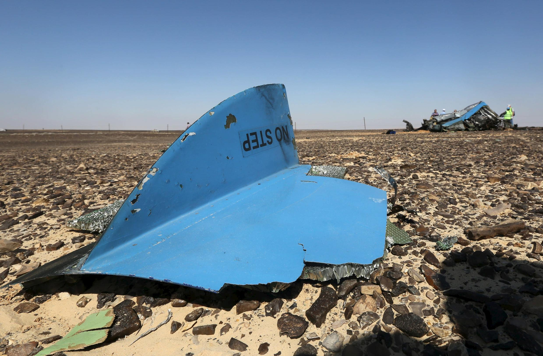 Mãnh vỡ máy bay Nga được tìm thấy gần thị trấn Arish, phía bắc Ai Cập.