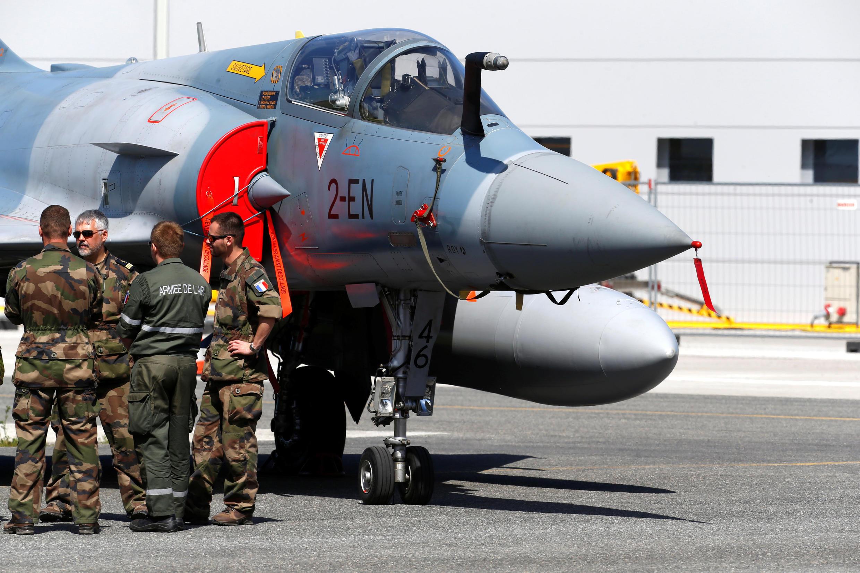 Lực lượng không quân Pháp và tiêm kích Mirage 2000-5 trong khuôn khổ lực lượng NATO tại căn cứ không quân Amari, Estonia, ngày 25/05/2018.