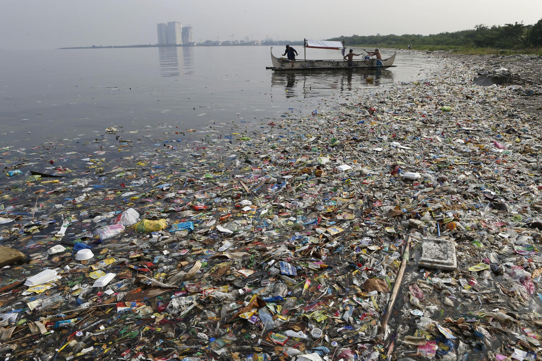 Uchafuzi wa plastic kwa mazingira ya baharini