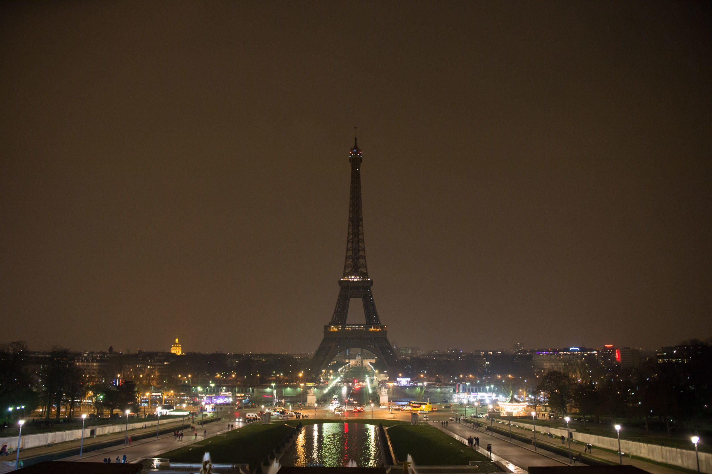 Monuments in Paris and worldwide will switch off lights tonight for Earth Hour.