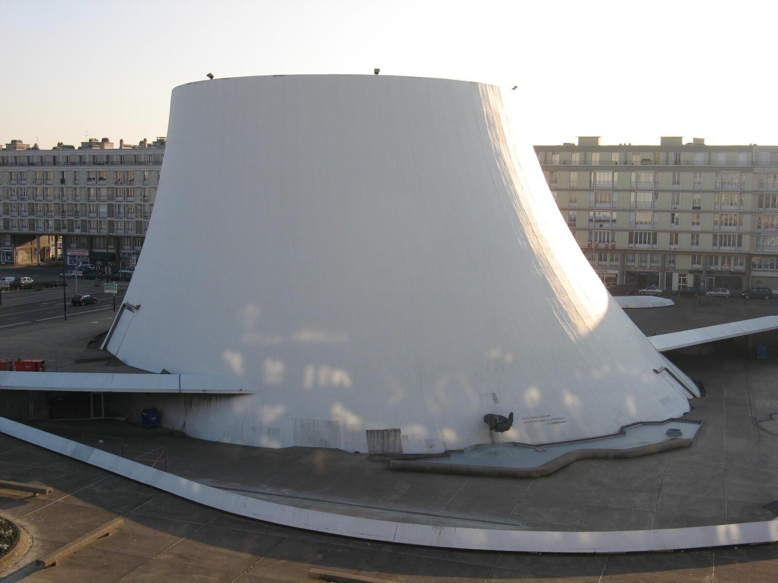 O Volcan Niemeyer, antes da reforma.