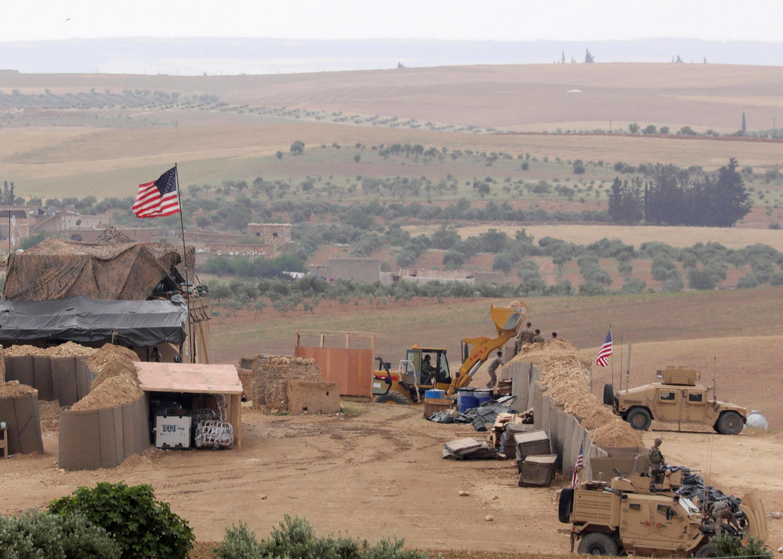 ایجاد یک پایگاه جدید نظامی توسط نیروهای آمریکایی در منبج. سوریه ١٨ اردیبهشت/ ٨ مه ٢٠۱٨