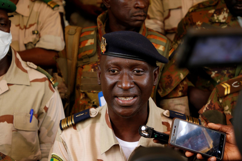 O coronell  Ismaël Wagué, porta-voz do Comité Nacional para a Salvação do Povo, formado pela junta militar maliana, após o golpe que  derrubou o presidente Ibrahim Boubacar  Keïta.