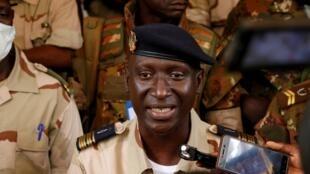 Ismaël Wagué  porta-voz  do Comité Nacional para a Salvação  do Povo do Mali
