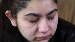 雷欧娜尔达1月28日和父母在家中听到法庭驳回全家返法申诉的消息后流下了眼泪