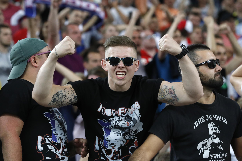Болельщики на стадионе «Велодром» в Марселе перед матчем Россия-Англия, 11 июня 2016.