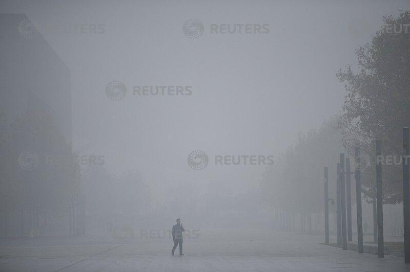 陷入雾霾污染的天津市,2018年11月26号